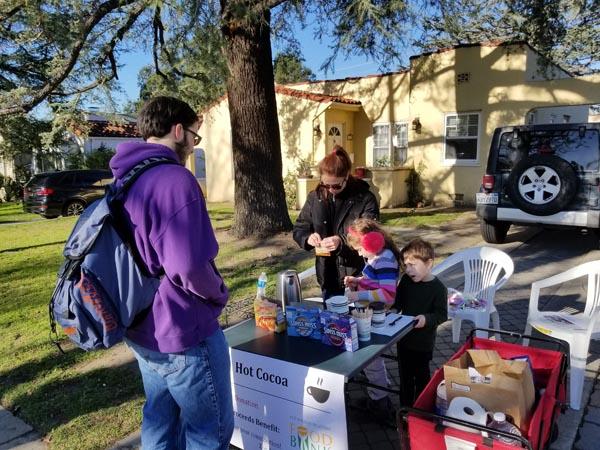 Kids raising money for the Food Bank