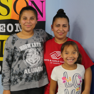 I'm Rosa, and my daughters are 12 and 8 years old. I try to cook the healthiest foods I can for my family. So it's really helpful that the Food Bank provides us with food so I can cook it on my own